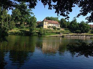 La Rebière d'or,Charme et prestige parc et bassin vue sur Dordogne