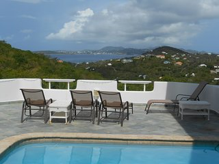 Pool Side 2BR with Sunset View, Cruz Bay