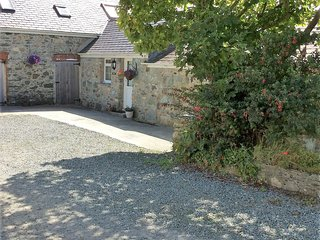 HEN LLETY small cottage by Sandy Beach/Church Bay Anglesey