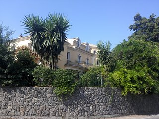 villa  in Corfu  Achilleion great location