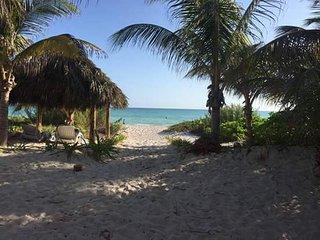 Bonita Beach House - for small groups, El Cuyo
