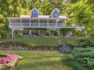 Pet-Friendly 3BR Maggie Valley Family Home w/Views