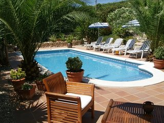 Near Sitges/Villa Rosa Apartment/ Pool/Jacuzzi, Olivella