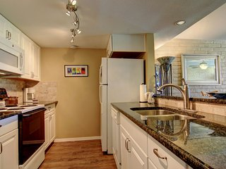 Sea Escape, amazingly remodeled ground floor condo