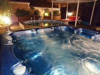 Naturisme La Villa Cap d'Agde jacuzzi piscine, Cap-d'Agde