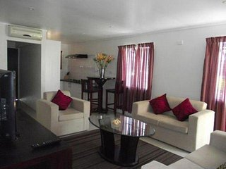 Family Friendly Double-Story Hibiscus Apartment, Nadi
