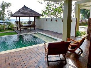 Villa Pantai Senggigi / 3-bedroom, Mangsit