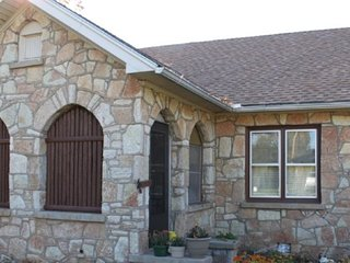Hunter House Bed N Breakfast, Lawton