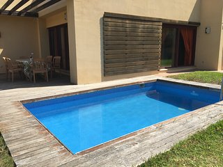 Villa & jardin, wifi ,piscina privada a 5 min beach