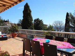Appartement sur toit Grasse, vue Baie de Cannes