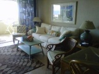 Beachfront Getaway-Low Fall Rates - BOOK SUMMER !, Ocean City