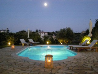 Modern Villa Private pool garden bbq ac wifi 5'sea, Nauplie