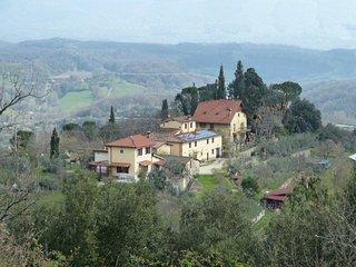 Casa indipendente in piccolo borgo di 4 fabbricati