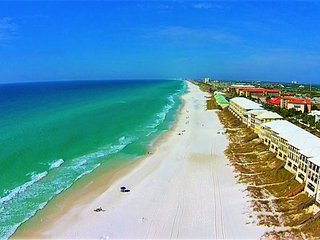Frangista Pearl: 5 Bdrm, Beach Front, Private Pool, Miramar Beach