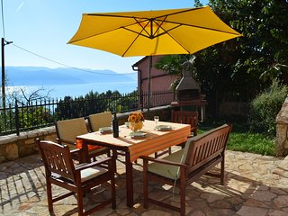 Villa Emillia best offer and perfect destination, Plomin