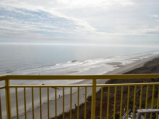 BAY WATCH Condo - GREAT Views - SAVE 7/30 - 8/6 !!, North Myrtle Beach