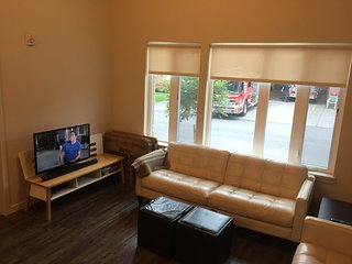 Upscale new apartment in prime downtown St. Johns!, Portland