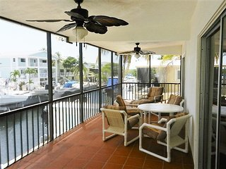 Canal Front 2 bed / 2 bath.  Bring Your Boat!, Key Largo