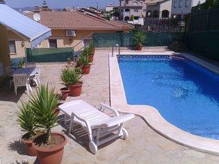 Maravilloso Chalet para 8 personas con piscina privada y barbacoa!
