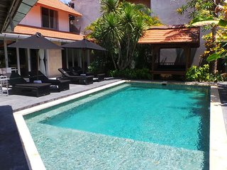 Grange, 4 bedroom Villa, A/C interior, Legian