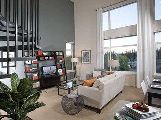 Elegant 2 Bedroom, 1 Bathroom Apartment in Redmond With Great Amenities