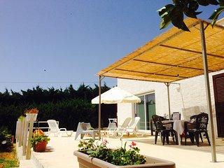 Casa Nella al mare: villa con giardino per 8 perso