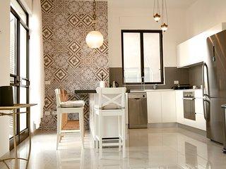 2,5 BR Central Designer Apartment, Tel Aviv