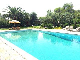 Monolocale/chalet con cucina e vista piscina