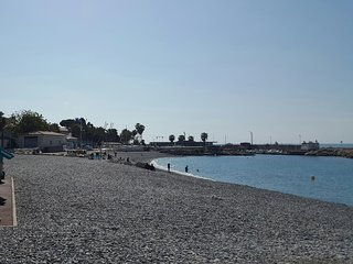 Spacious 3 rooms apartment, 200 meter from the sea, Cagnes-sur-Mer