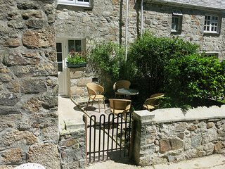 Sunny Corner, tranquillity in Cornwall for holiday or as a permanent home