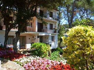 Nature and comfort, only 5 minutes from the beach, Tamariu