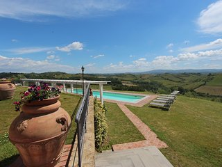 Villa in Chianti with heated swimming pool and A/C