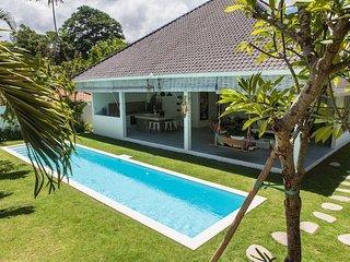 Villa HEL-LO - 3 chambres avec piscine et personnel., Kuta