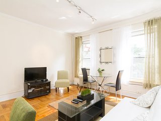 Fully Furnished 1 Bedroom Apartment ~ Upper East
