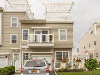 Arverne Inn: Carribean Room, Rockaway Park