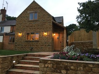 Forget-Me-Not  Cottage, North Newington, Wroxton