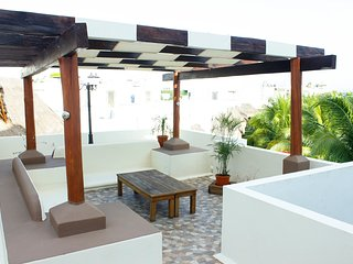 LUXURY PENTHOUSE! 1 min from the beach and 5th ave, Playa del Carmen