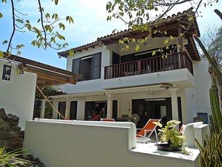 BELLA CABAÑA CON DOS ÁREAS DE PISCINAS, Santa Marta