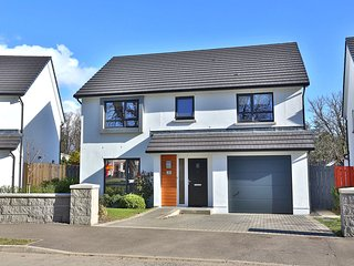 4 Bedroom Luxury House 10 mins from airport, Aberdeen