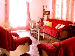 Big,fully equipped,furnished house 2' from the sea, Chania Town