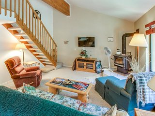 Roomy condo near Payette Lake w/ access to The Club's pool, hot tub, gym, etc.!