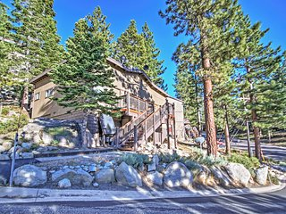Stateline Condo Near South Lake Tahoe w/Mtn Views!