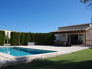 GREAT FAMILY HOUSE WITH PRIVATE POOL CLOSE TO BEACH