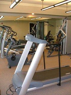 Fitness center w lake views