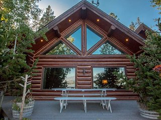 Oden Bay Log Home, Sandpoint