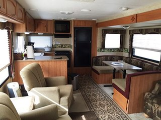 Stationary 33 foot Camper near Riesel Texas
