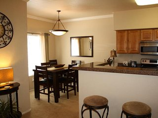 Resort Style Vacation Rental (MINIMUM 30 DAY STAY), Tucson