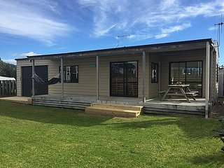 Little Tangaroa - Whangamata Holiday Home