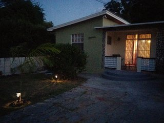 Spacious 3br House nr Beach & St. Law Gap/  CH CH, Maxwell