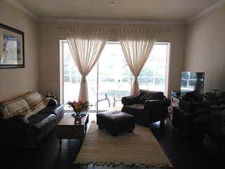 Lakeside retreat minutes from Anna Maria Beaches, Bradenton
